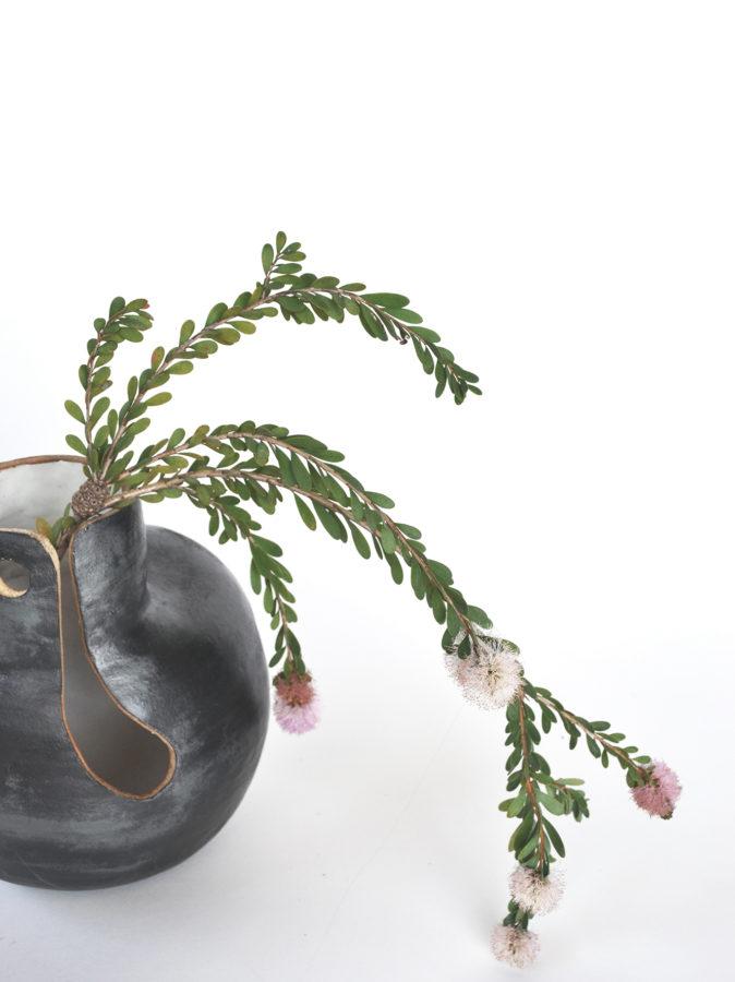 blue single vase 2